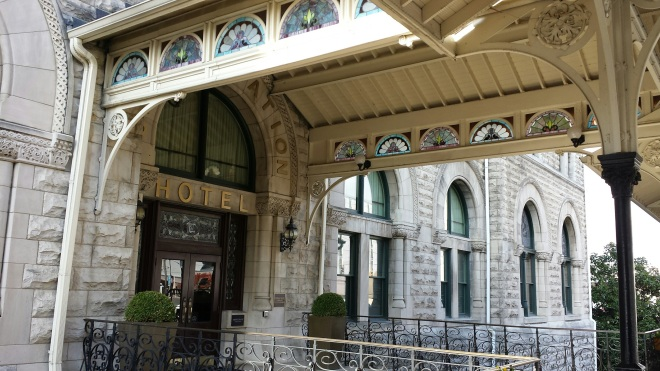 Magnificent entrance - Union Station Hotel Nashville