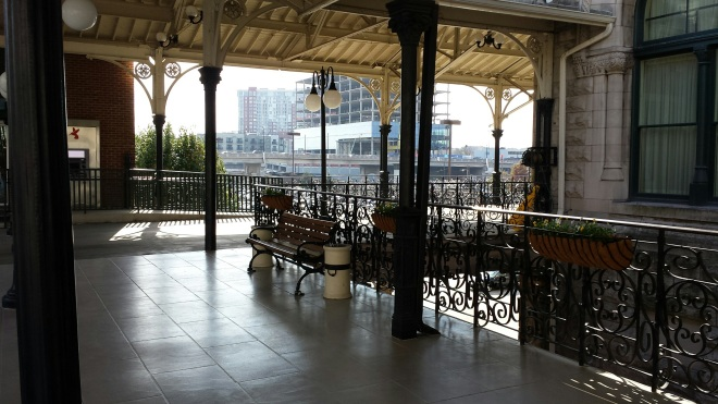 Valet parking waiting area - Union Station Hotel Nashville