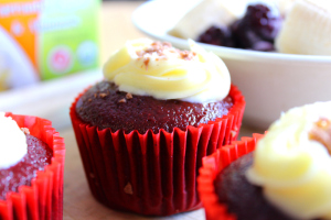 Easy Red Velvet Cupcakes with Frosting by Best Easy Dessert Recipes