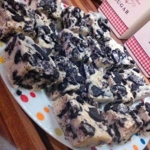 White Chocolate and Oreo Fudge by Sophie Wakes and Bakes