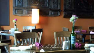 Ellendale's - Main dining room