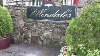 Ellendale's -Beautiful entrance