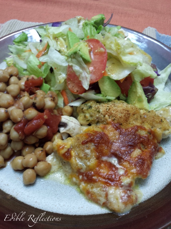 Chicken bake with chickpeas and salad