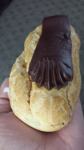 Eclair from Mike's Patry (North End)